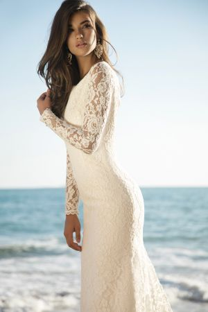 Model Adelia