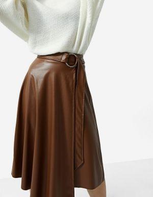 Asymetryczna Spódnica Midi Ze Sztucznej Skóry  Stradivarius 99,90 Zł