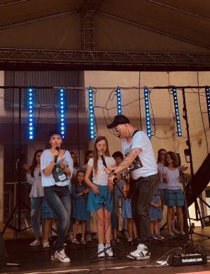 Gwiazdy Na Dzień Dziecka Spełniły Marzenie Dziewczynki Z Zespołem Downa ! (12)