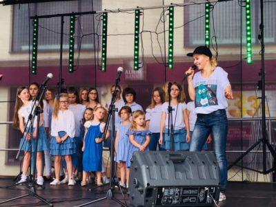 Gwiazdy Na Dzień Dziecka Spełniły Marzenie Dziewczynki Z Zespołem Downa ! (1)
