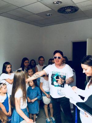 Gwiazdy Na Dzień Dziecka Spełniły Marzenie Dziewczynki Z Zespołem Downa ! (25)