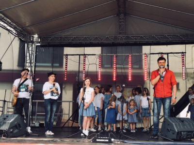 Gwiazdy Na Dzień Dziecka Spełniły Marzenie Dziewczynki Z Zespołem Downa ! (5)