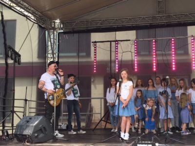 Gwiazdy Na Dzień Dziecka Spełniły Marzenie Dziewczynki Z Zespołem Downa ! (9)