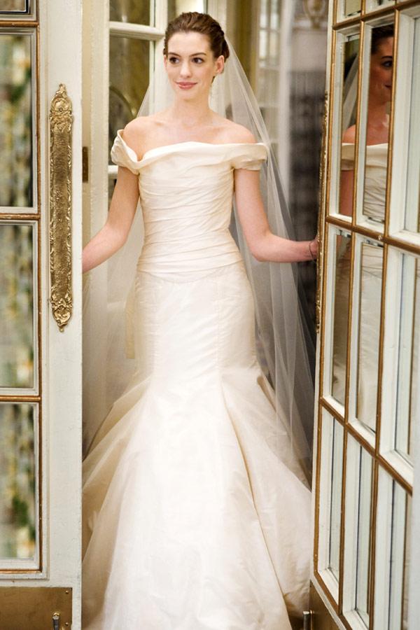 Ślubne wojny suknia