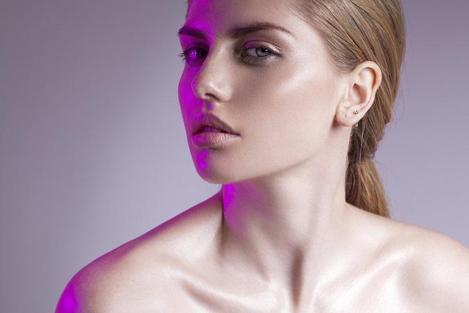 Rozświetlenie twarzy z Wake Up and Glow