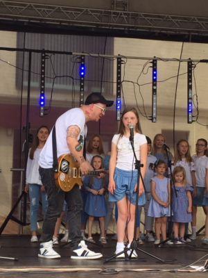 Gwiazdy Na Dzień Dziecka Spełniły Marzenie Dziewczynki Z Zespołem Downa ! (16)