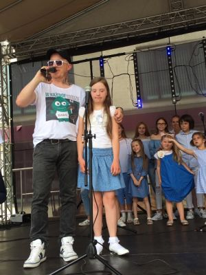 Gwiazdy Na Dzień Dziecka Spełniły Marzenie Dziewczynki Z Zespołem Downa ! (18)