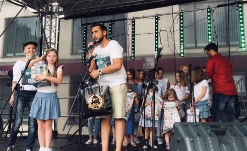 Gwiazdy Na Dzień Dziecka Spełniły Marzenie Dziewczynki Z Zespołem Downa ! (20)