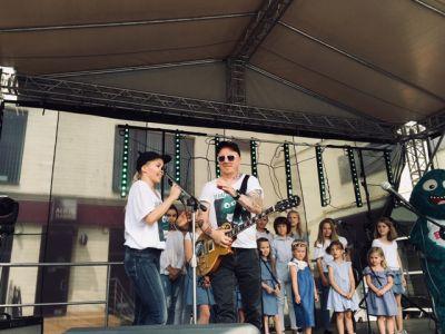 Gwiazdy Na Dzień Dziecka Spełniły Marzenie Dziewczynki Z Zespołem Downa ! (29)