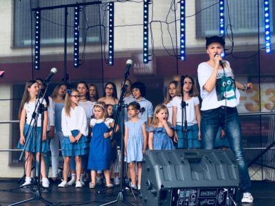 Gwiazdy Na Dzień Dziecka Spełniły Marzenie Dziewczynki Z Zespołem Downa ! (2)