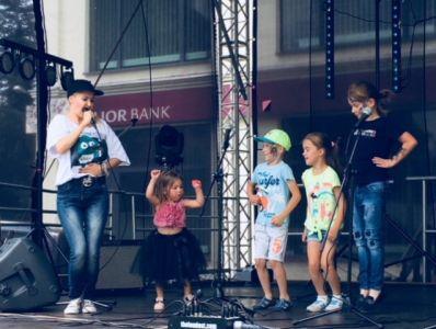 Gwiazdy Na Dzień Dziecka Spełniły Marzenie Dziewczynki Z Zespołem Downa ! (3)