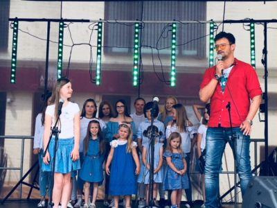 Gwiazdy Na Dzień Dziecka Spełniły Marzenie Dziewczynki Z Zespołem Downa ! (6)
