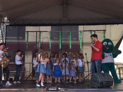 Gwiazdy Na Dzień Dziecka Spełniły Marzenie Dziewczynki Z Zespołem Downa ! (7)