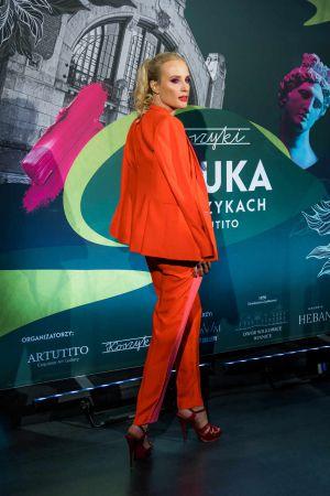 Moda I Sztuka W Hali Koszyki