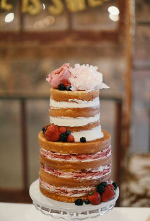 Naked Wedding Cake (16)