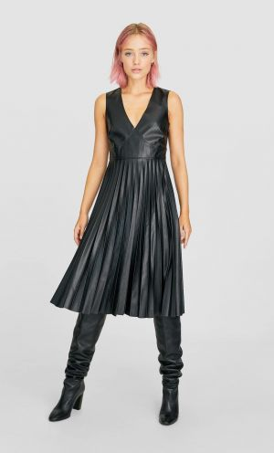 Plisowana Sukienka Midi Stradivarius 139,00 Zł