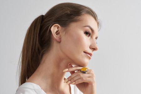Vera Srebrny Klasyczny Pierścionek  Z żółtym Agatem