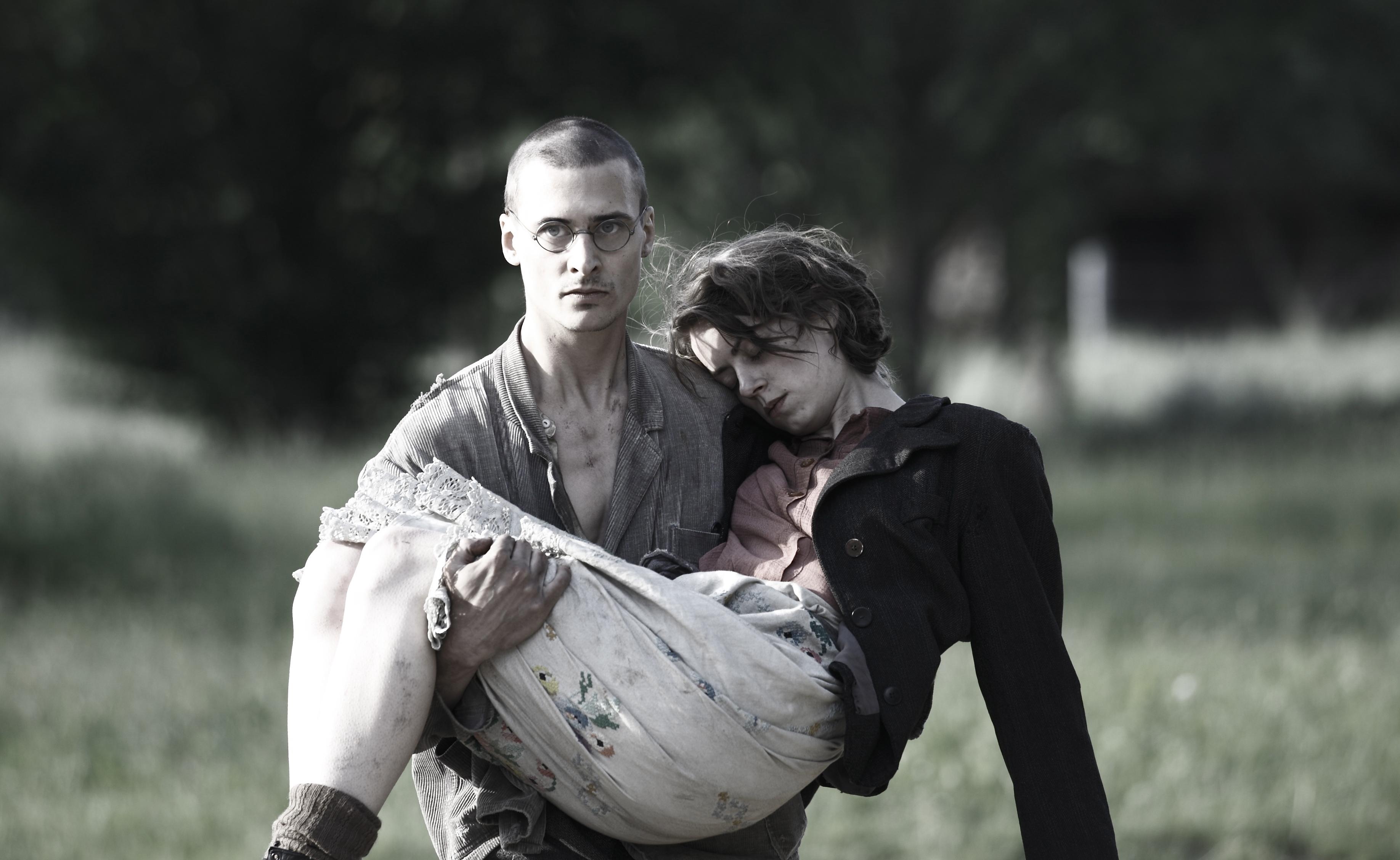 Mateusz Damiecki & Alice Dwyer 02