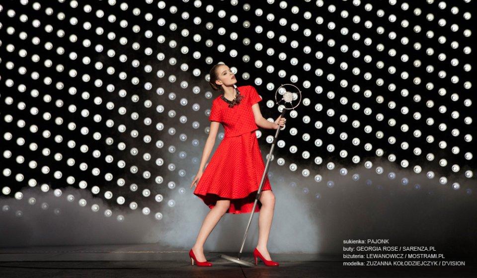 czerwona sukienka (5)
