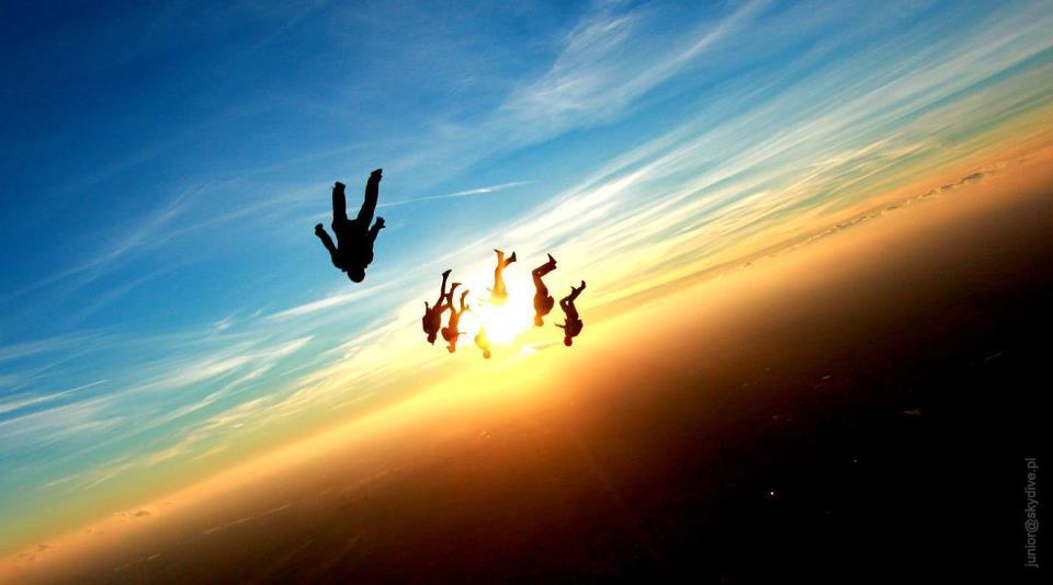 Skok ze spadochronem (3)