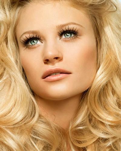 Złoty Blond Na Włosach Zobacz Komu Pasuje I Jak Podkreślić