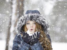 Wpływ zimnego powietrza na naszą skórę - jak pielęgnować cerę zimą