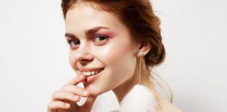 Makijaż na Andrzejki – wyczaruj oryginalny look z metalicznymi cieniami