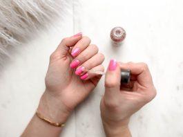Manicure winylowy