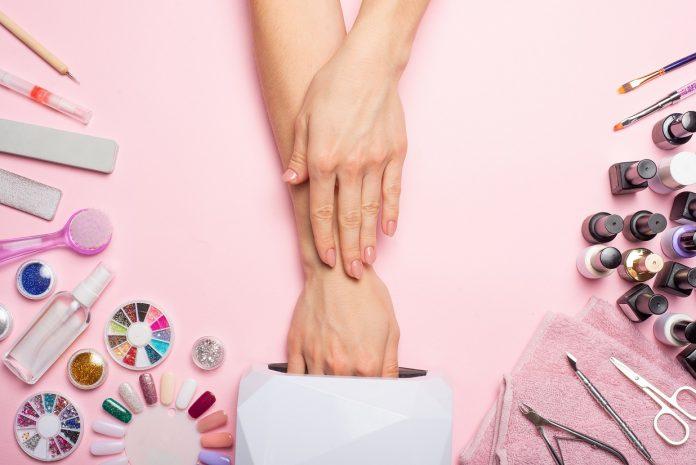 Idealny manicure z żelami do paznokci krok po kroku