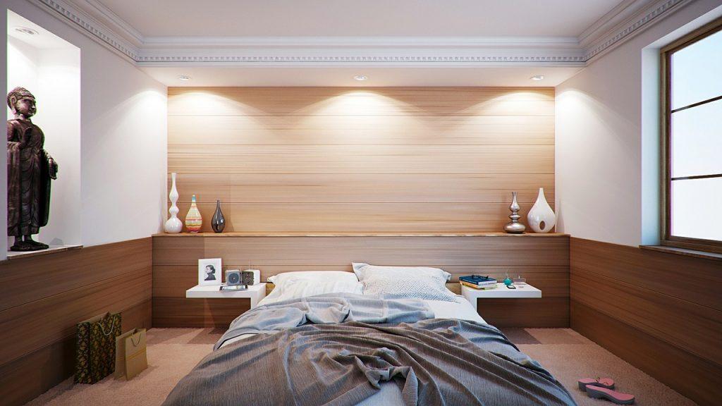Czy obraz na płótnie sprawdzi się w eleganckiej sypialni?