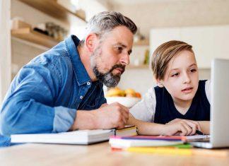 odrabianie lekcji w domu