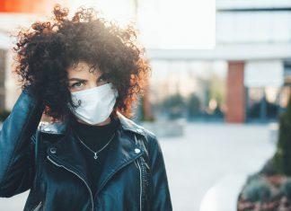 Jak noszenie maseczki może wpłynąć na naszą skórę