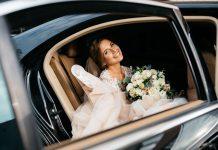 Panna młoda w samochodzie wypożyczonym we Wrocławiu