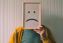 Tłumienie emocji