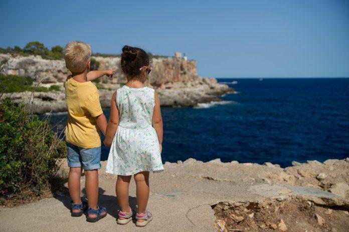 Buty dla dzieci - najlepszy wybór dla małych stóp